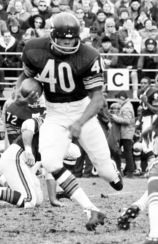 The Windy City legend's meteoric career was cut short by knee woes, but no player ever thrilled the masses like him. Late in his rookie year, he touched the ball 14 times on a slippery Wrigley Field pitch ... and scored six times, including an 85-yard punt return. If better surgical techniques existed 43 years ago, Sayers might have been the greatest player ever.