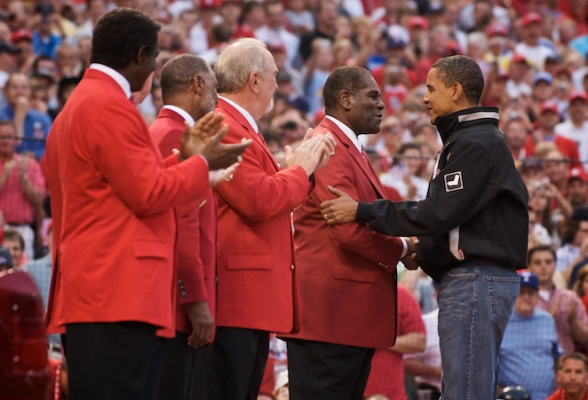 President Obama greets Bob Gibson and other Cardinals legends.