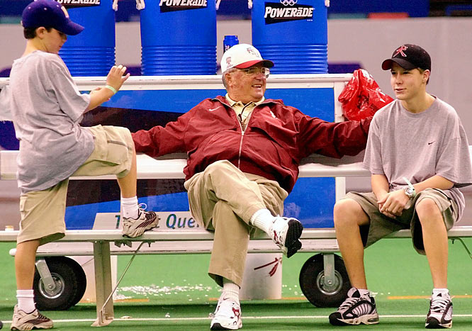 Bobby Bowden chats with his grandsons Hunter Bowden (left) and J.J. Madden during a break in practice.