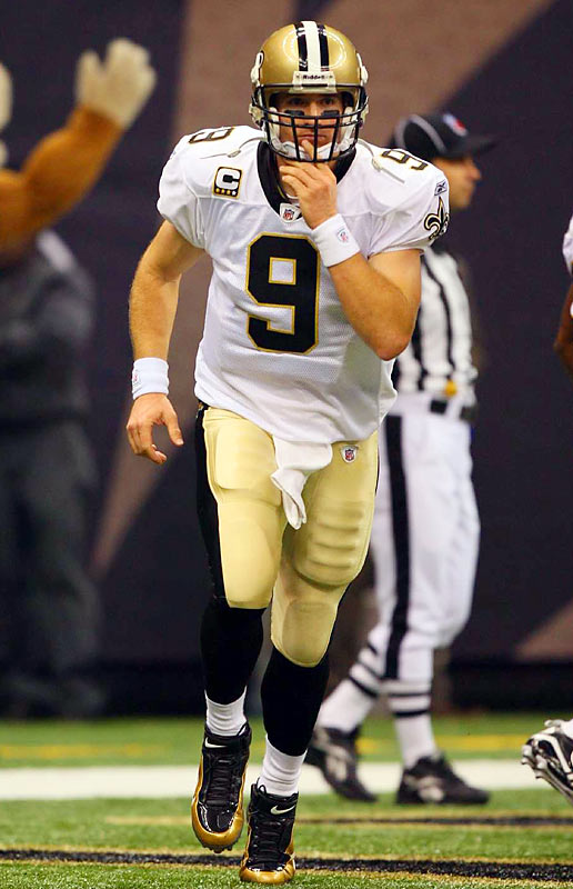 Brees leads the league with a quarterback rating of 118.4 and his 13 touchdown passes are second most, behind Matt Shaub's 14.