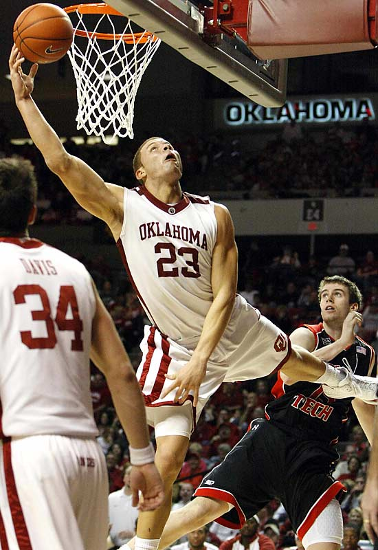 Griffin may have had National Player of the Year honors long since wrapped up by the time his Sooners faced Texas Tech, but after his one-man Valentine's Day massacre, there was no longer any doubt. He posted season bests of 40 points and 23 rebounds, the first 40-20 game in Big 12 history, in a win over the Red Raiders.