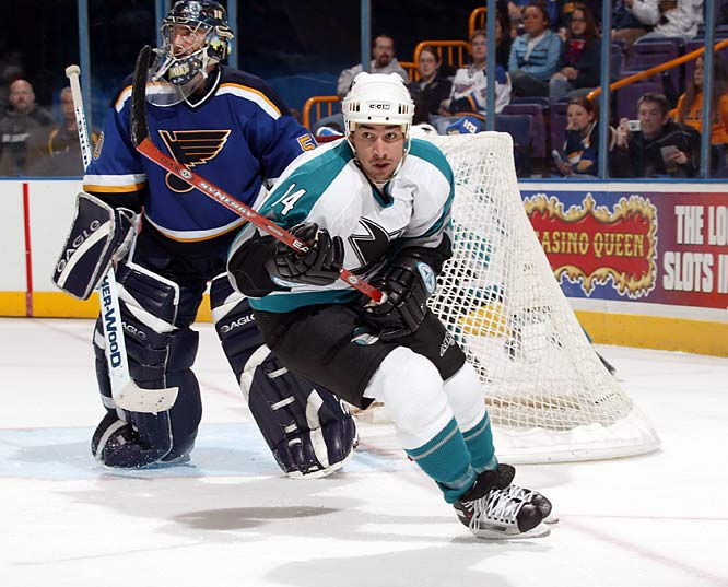 With a career high of 28 goals in two NHL seasons, Cheechoo unexpectedly led the league with 56 in 2005-06 with the Sharks. Since then, his season totals declined to 37 to 23 to 12 to two in his first 20 games of 2009-10.