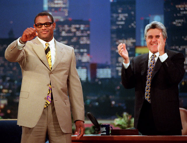 Cubs slugger Sammy Sosa gets an ovation from Leno and the studio audience.