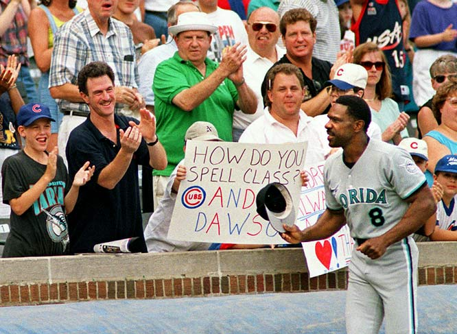 After announcing his retirement during his 1996 season with the Marlins, Dawson received cheers from Cubs fans upon his return to Wrigley Field late in the season.