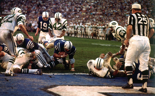 The Colts running attack was led by Tom Matte, who gained 116 yards on 11 carries. On this play, he advances to the Jets' 1.
