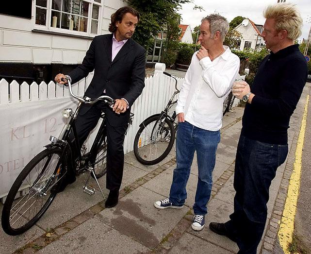 McEnroe, center, and Becker, right, speak with fellow tennis legend Leconte in Copenhagen, Denmark, before a legends match.