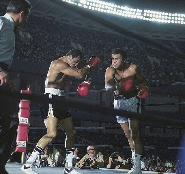Ali came away with a controversial decision in his third meeting with Norton, an underwhelming fight best remembered for the New York Police Department strike that engendered a climate of anarchy outside the stadium. The result: a modest crowd of 30,298 with just <em>eight</em> walk-up tickets sold.