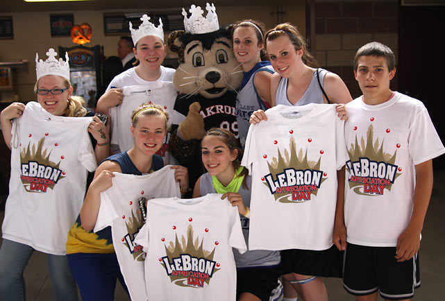 "LeBron's hometown of Akron, Ohio honored its favorite son by organizing ""LeBron Appreciation Day"" at InfoCision Stadium on the University of Akron's campus. The event was attended by 8,500 people, none bigger than the guest of honor, who arrived as the event was winding down to accept a ""Hometown Hero"" award from the city."