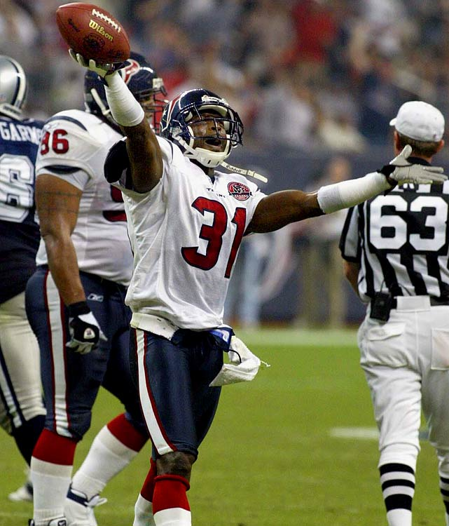 Glenn, on July 28, became the first player to sign a one-day contract to retire with the Texans. A 5-foot-9 cornerback,  he was the third player selected in Houston's 2002 expansion draft upon the franchise's entry into the NFL. He made one of his three trips to the Pro Bowl in the Texans' inaugural season and started 43 games in three seasons with Houston.