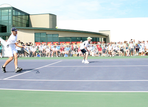 Earlier this month, Andy Roddick took a break from his jam-packed professional schedule to work with the athletes participating in the 2010 Special Olympics. The tennis star held a clinic during the 2010 Special Olympics USA National Games; keep clicking for more pics from the event!