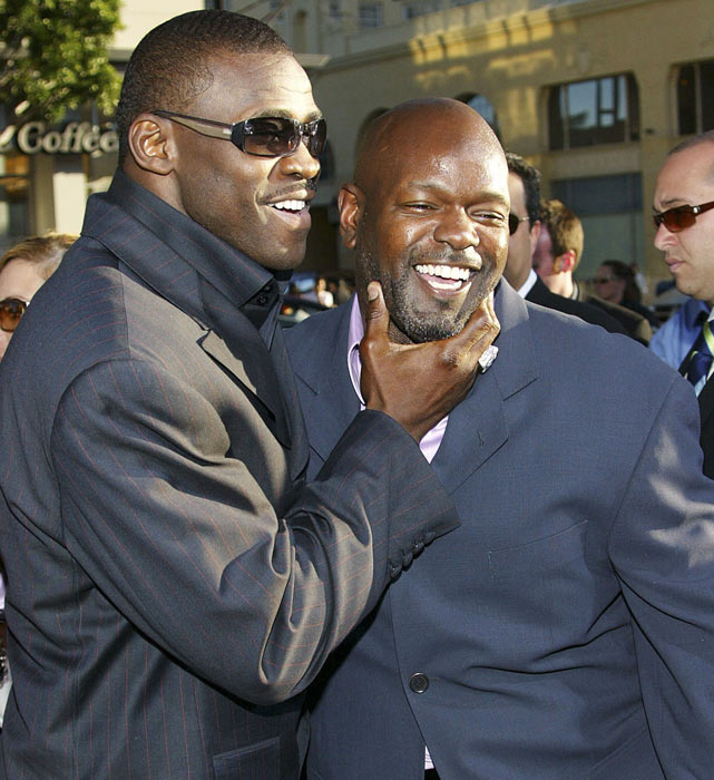 <p>Smith with former teammate Michael Irvin at the premiere of <em>The Longest Yard </em>at Graumans Chinese Theater in Hollywood, Calif.</p>