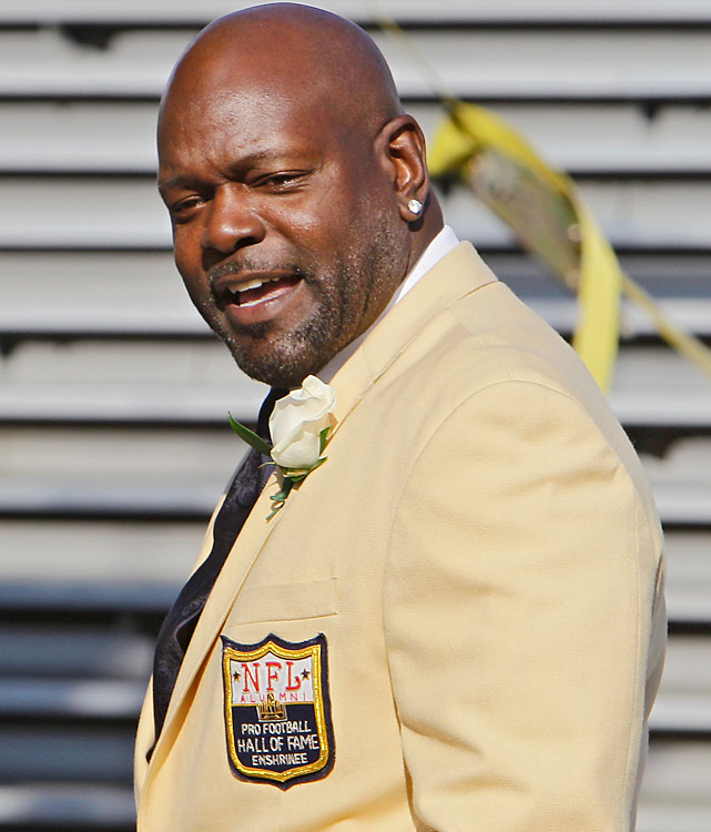 While helping re-establish the Cowboy dynasty, Smith made quite a name for himself in the Dallas backfield from 1990-2002 and finished his illustrious career as the NFL's all-time leading rusher. Like classmate Rice, Smith won three Super Bowls. An eight-time Pro Bowl selection, Smith supplanted Walter Payton as the all-time leading rusher in 2002 and finished his career with 18,355 career yards.
