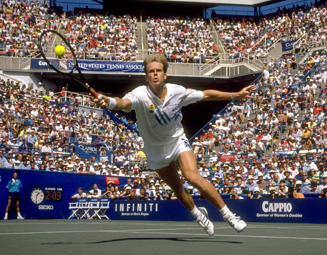 In the semifinals, Stefan Edberg and Michael Chang play what is believed to be the longest match in the history of the U.S. Open. The No. 2-seeded Edberg needs 5 hours, 26 minutes to defeat Chang, 6-7, 7-5, 7-6, 5-7, 6-4.