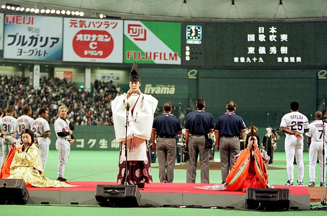 In his return to Japan, where he managed the Chiba Lotte Marines, Bobby Valentine's Mets fell to the Chicago Cubs 5-3 in front of a crowd of 55,000 at the Tokyo Dome.