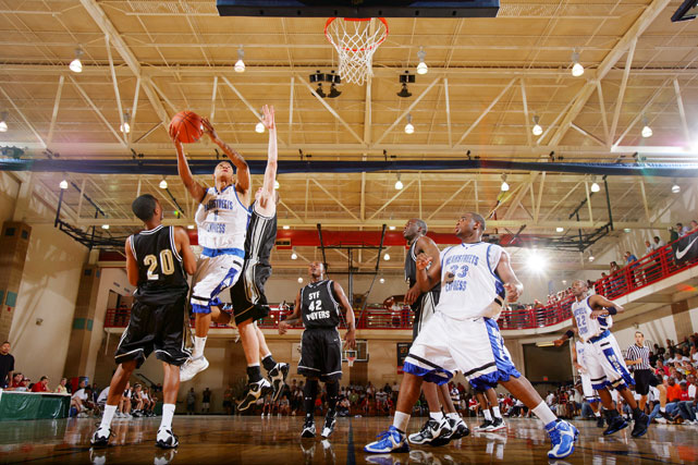 At the 2006 Peach Jam tournament, Rose put up 21 points, 14 rebounds and 12 assists in a matchup with Mayo (not pictured), then considered the best guard in the class of 2007.