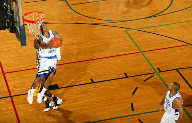 Rose also became known for his impressive dunks at Simeon and with the Meanstreets Express.