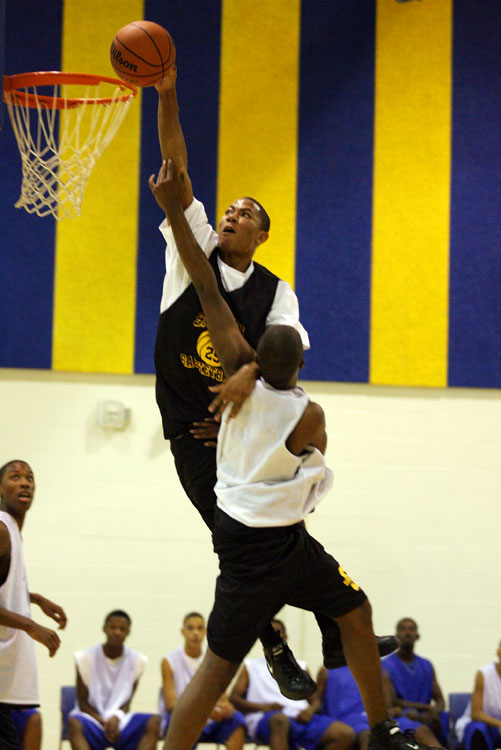 Rose's numbers jumped from 18.5 points per game to 25.5 from his freshman to senior seasons at Simeon.