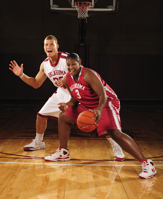 Griffin and then Oklahoma women's star Courtney Paris pose (awkwardly) for SI's 2008 college basketball preview cover.