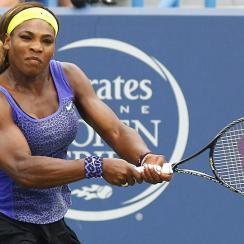 Serena Williams advanced to the final of Western & Southern Open in Mason, Ohio on Saturday, defeating Caroline Wozniacki 2-6, 6-4, 6-2.