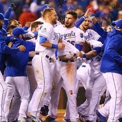 Eric Hosmer, Royals celebrate Game 1 win