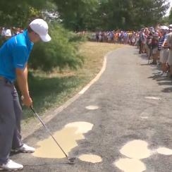Jordan Spieth got into some trouble off the 7th tee.