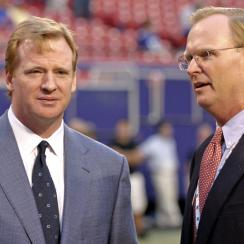 Roger Goodell (l.) and John Mara in 2006.