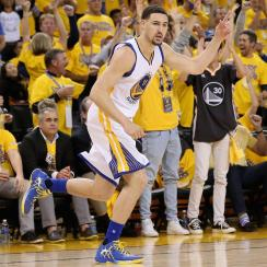 With Steph Curry still questionable, Klay Thompson leads Warriors