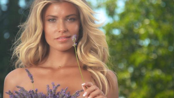 Samantha Hoopes Uncovered 2015