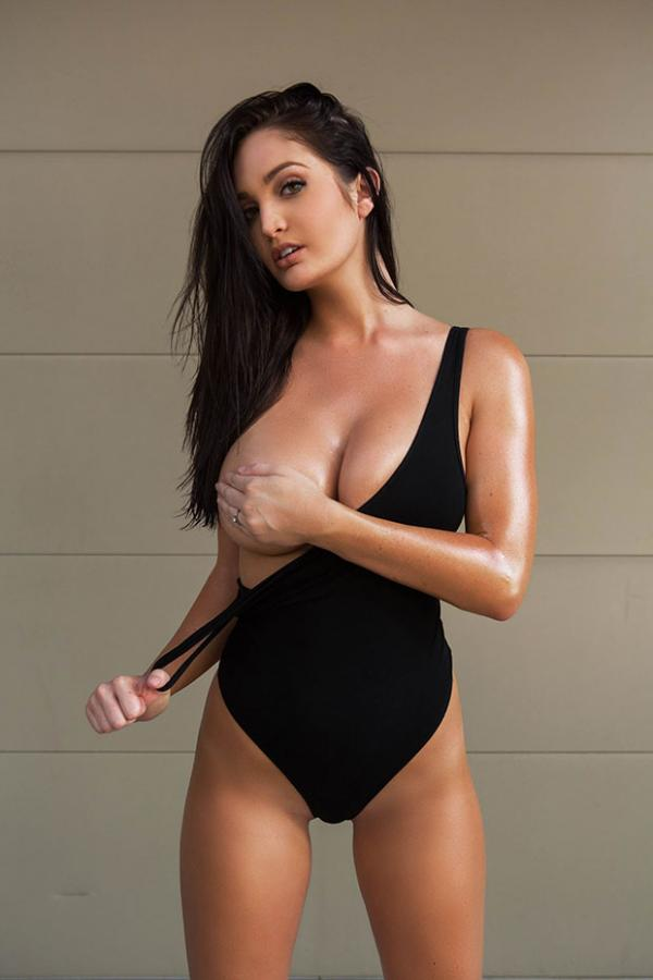 Ashlynn Coray Nude Photos 16