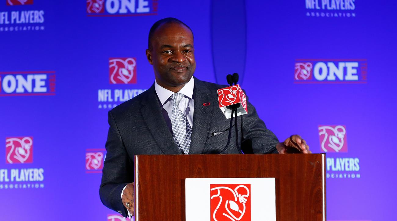 NFLPA executive director DeMaurice Smith and the union blame commissioner Roger Goodell for the NFL's lack of HGH testing.
