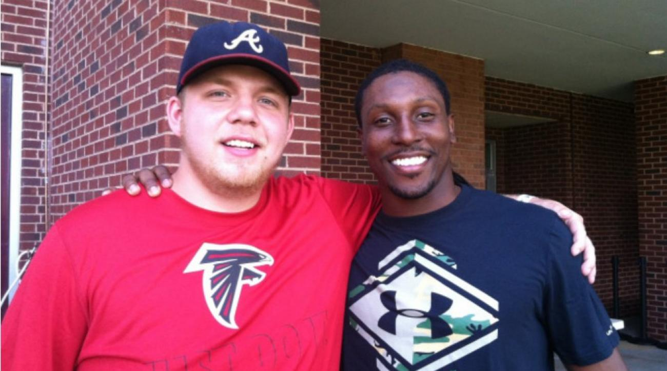 Roddy White meets with fan Dylan Hoyt from Twitter bet