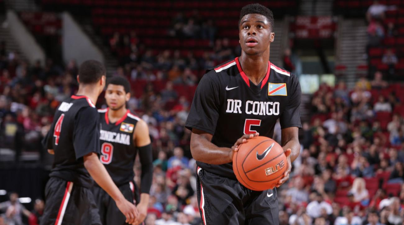 """SMU coach Larry Brown said Emmanuel Mudiay signing with a Chinese team was a """"bad decision."""""""