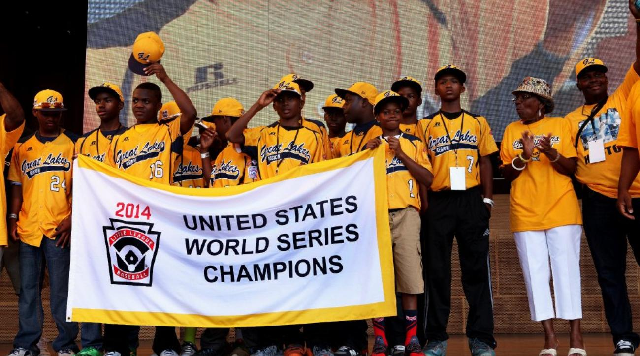 Chicago businessman provides free rent for Jackie Robinson West player's family