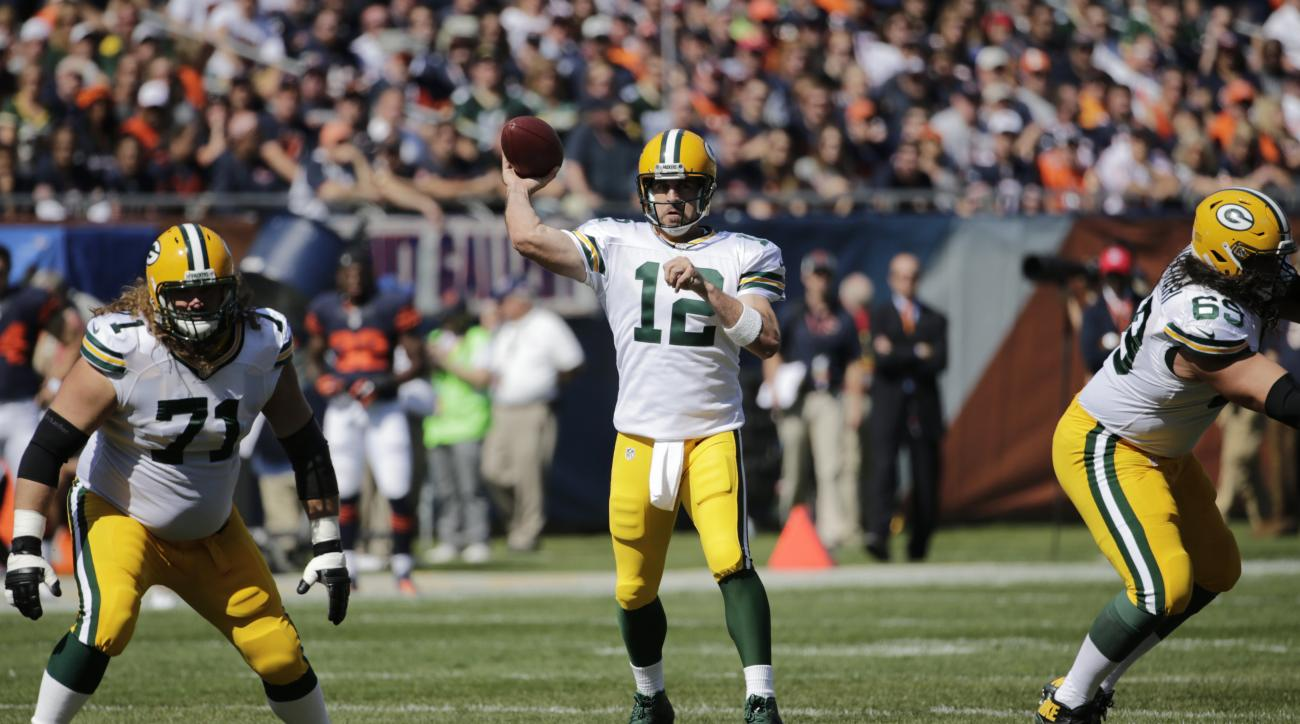 Green Bay Packers' Aaron Rodgers touchdown pass against Chicago Bears called back by penalty