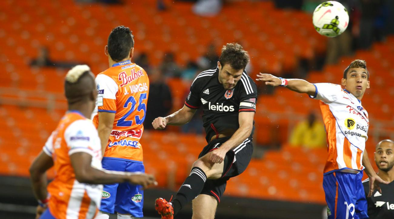 Chris Pontius, center, and D.C. United overcame Panama's Tauro FC en route to the CONCACAF Champions League quarterfinals.