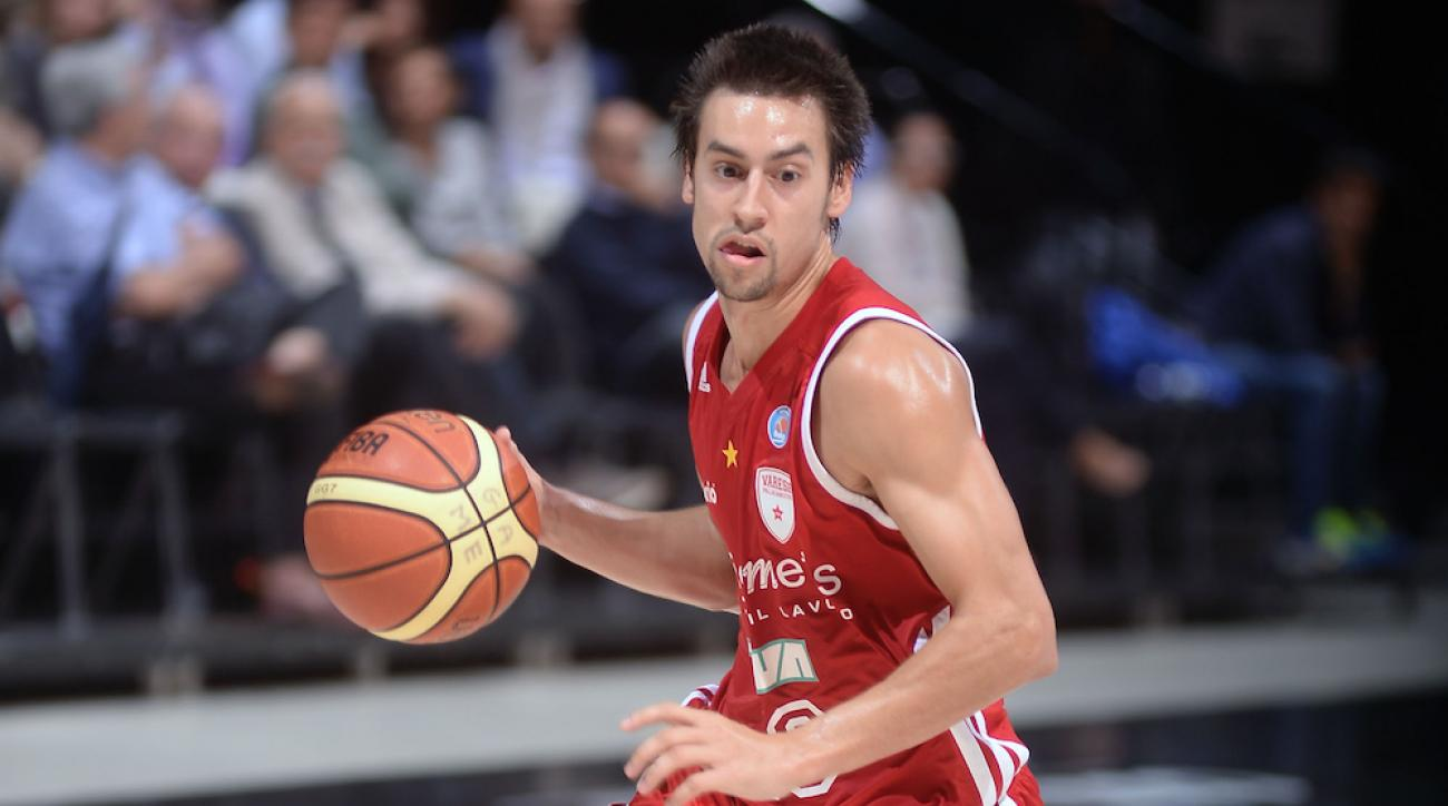 Marshall Henderson playing for Italian team Openjobmetis Varese in October 2014.