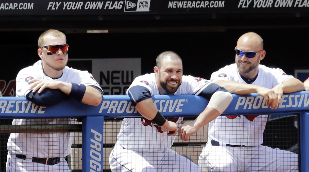 Roberto Perez, Jason Kipnis and Ryan Raburn are among the Cleveland Indians who shaved their heads in support of Mike Aviles' daughter.