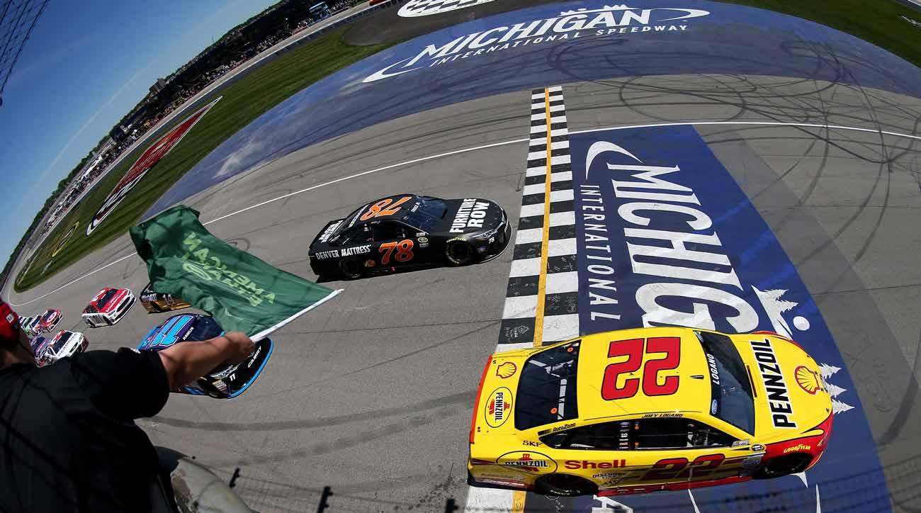 NASCAR green flag at Michigan Speedway