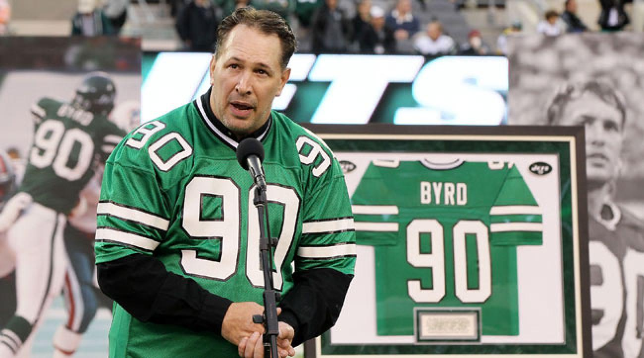 Byrd's jersey number, which had never been worn by another Jets player, was retired on Oct. 28, 2012.