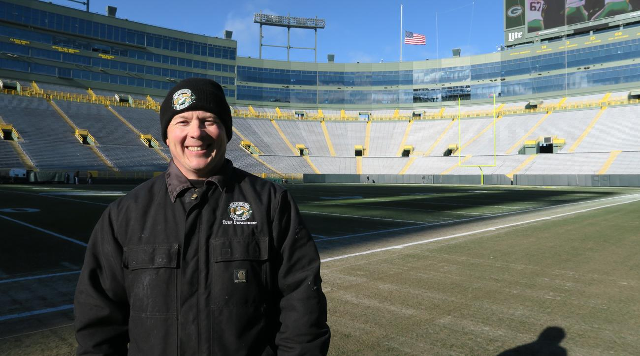 Allen Johnson, field manager at Lambeau, has been on the job for 20 years.