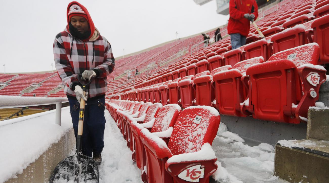 Ice storms have pushed back the start time of Steelers-Chiefs playoff game.