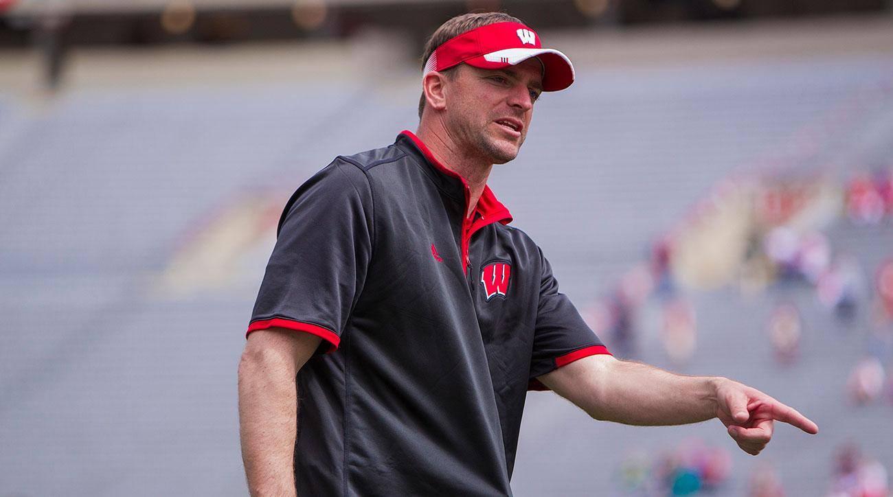 Wisconsin Badgers Defensive Coordinator/ILBs coach Justin Wilcox in action as Team Abbrederis defeats Team Schubert (28-22) at the Wisconsin Badgers annual Spring Game at Camp Randall Stadium in Madison, WI. (Photo by Dan Sanger/Icon Sportswire)