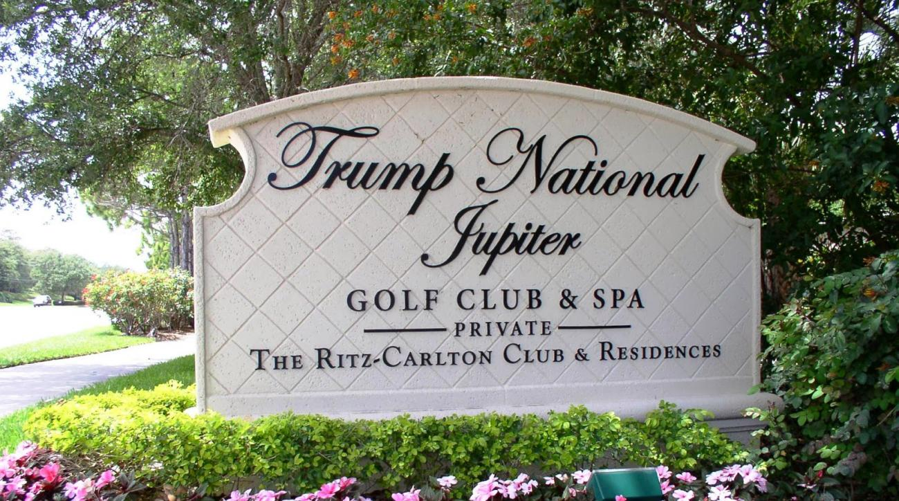 The entrance into Trump National Jupiter.