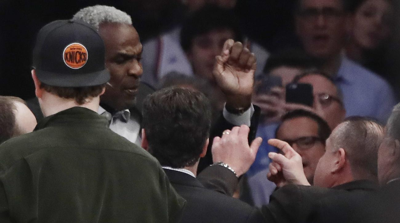 No way for Knicks to win petty battle with beloved Charles Oakley