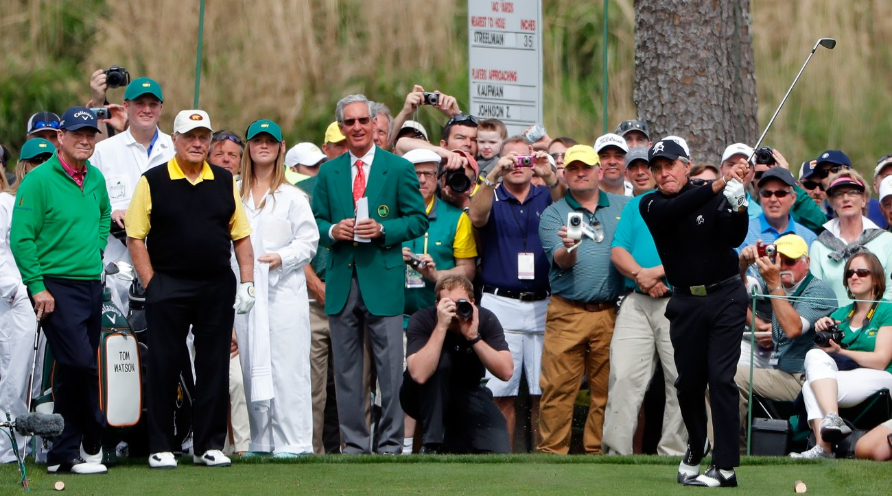 Gary Player tees off at the 2016 Masters Par 3 Contest at Augusta National.