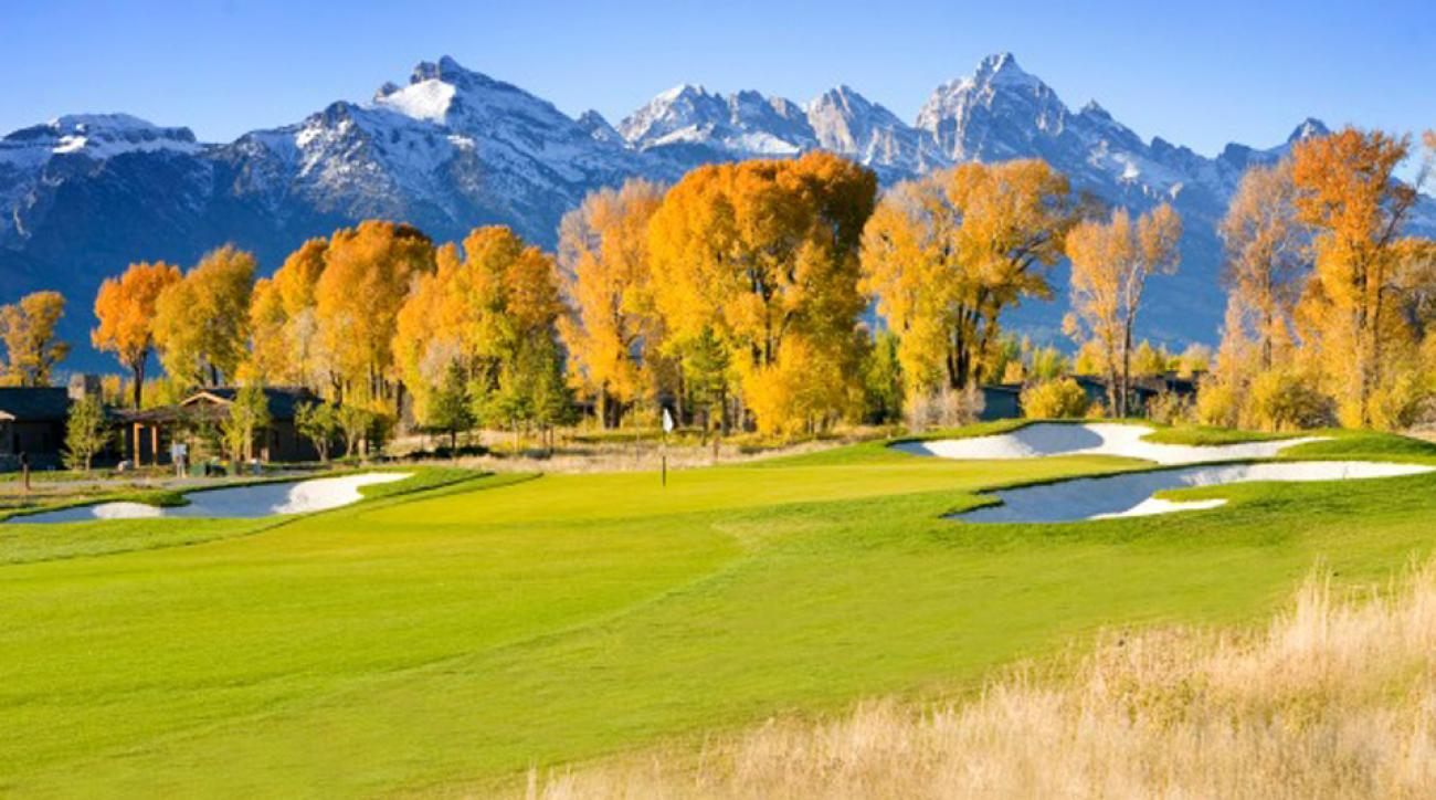At the Jackson Hole Golf & Tennis Club you get mountain views, nature and a high-end course.