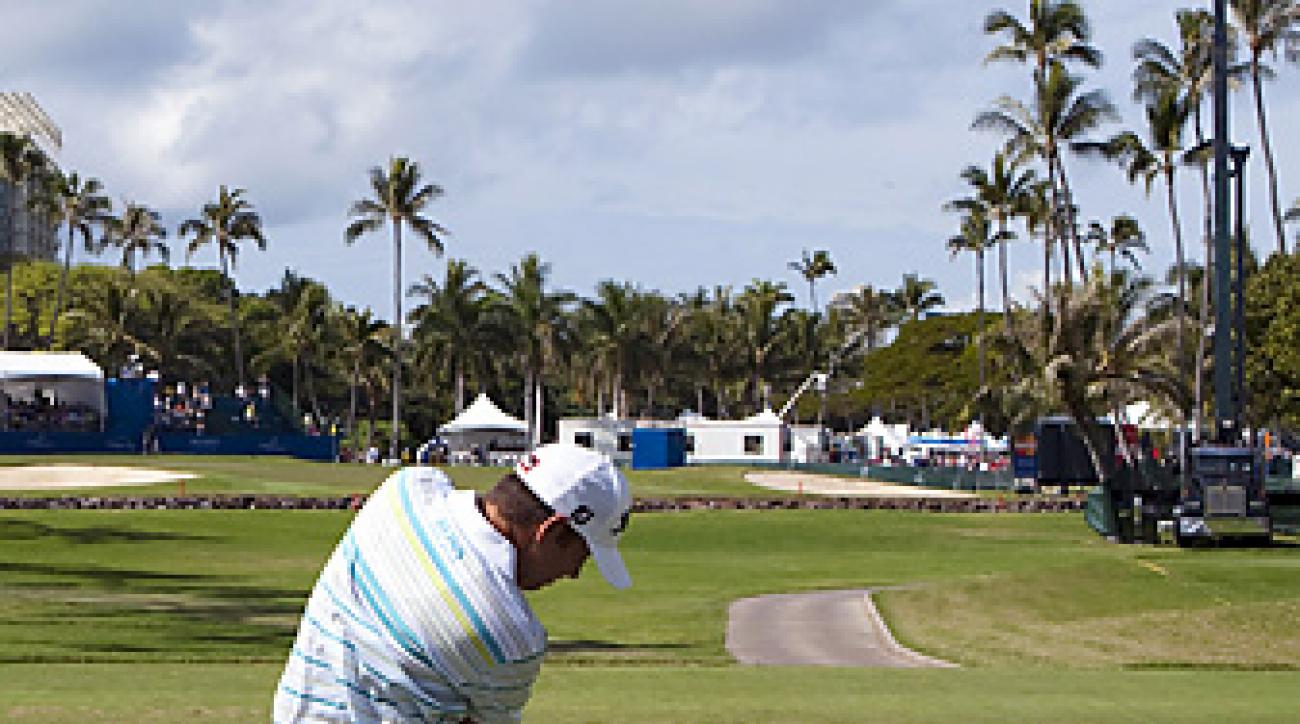 Compton teeing off on the 17th hole at the Sony Open.