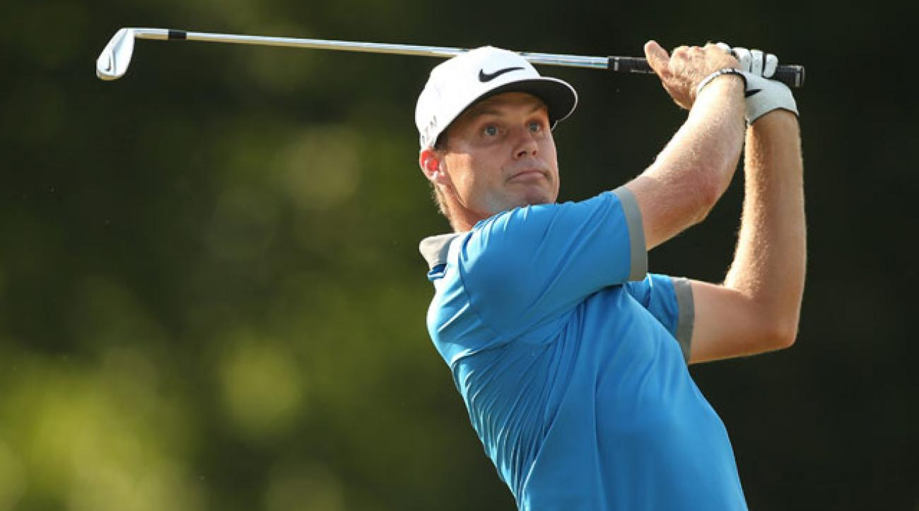 Nick Watney will have a one-shot lead Sunday when play begins at the Wyndham Championship.
