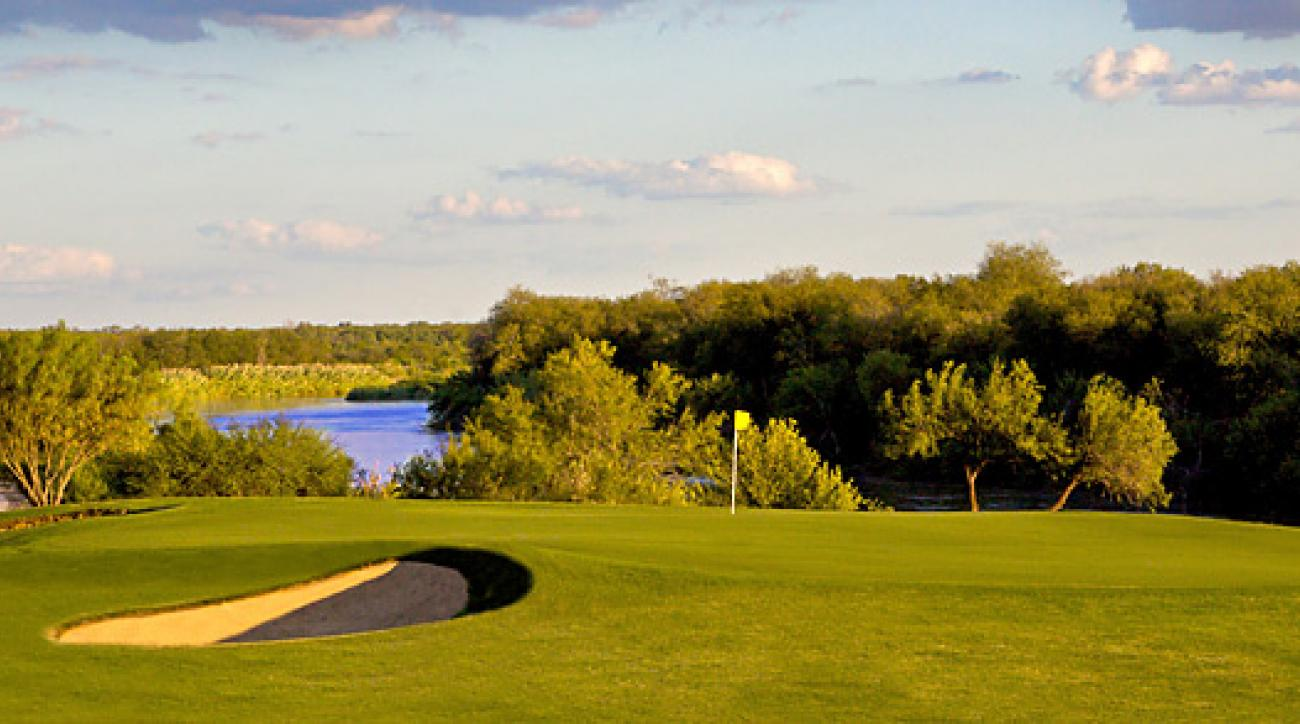 The ninth hole at the Max A. Mandel Municipal Golf Course in Laredo, Texas.