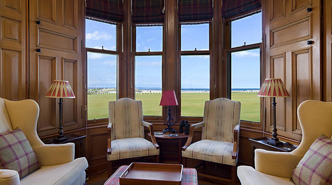George Peper, former editor of <em>Golf Magazine</em>, is selling his stately apartment, which has a view of the Old Course.